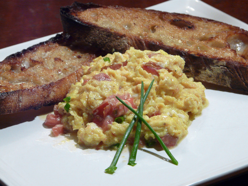 Scrambled%20Eggs%20with%20homemade%20sou